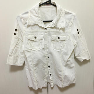 白 シャツ(シャツ/ブラウス(半袖/袖なし))
