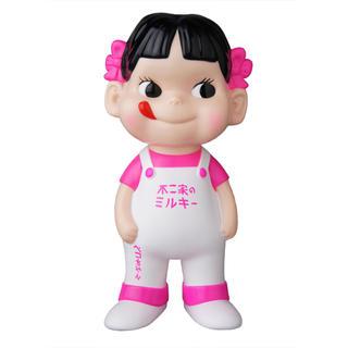 メディコムトイ(MEDICOM TOY)の不二家ソフビコレクション ペコちゃん 白×蛍光ピンク(キャラクターグッズ)