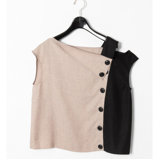 グレースコンチネンタル(GRACE CONTINENTAL)のGRACE CONTINENTAL イレギュラーネックトップ (Tシャツ(半袖/袖なし))