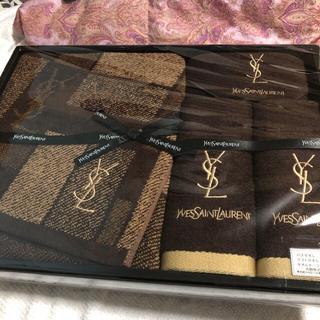 イヴサンローランボーテ(Yves Saint Laurent Beaute)の新品未使用イヴサンローランセット❗️最終値下げ中(タオル/バス用品)