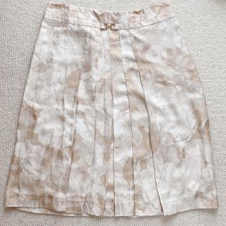 サルヴァトーレフェラガモ(Salvatore Ferragamo)のFerragamo フェラガモ 花柄 スカート 38 Mサイズ 膝丈 シルク(ひざ丈スカート)