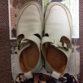 ジェフリーキャンベル(JEFFREY CAMPBELL)の値下げ ホワイトレザーシューズ(ローファー/革靴)