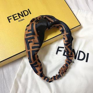 フェンディ(FENDI)のFENDI フェンディ ズッカ柄 ヘアバンド(ヘアバンド)