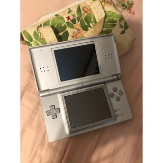 ニンテンドーDS(ニンテンドーDS)の任天堂Ds シルバー★ケース付き(携帯用ゲーム機本体)