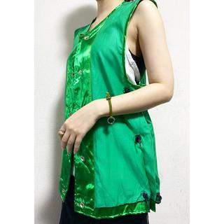 トーガ(TOGA)のdead stock vintage 米軍 グリーン サテン ベスト tシャツ(ベスト/ジレ)