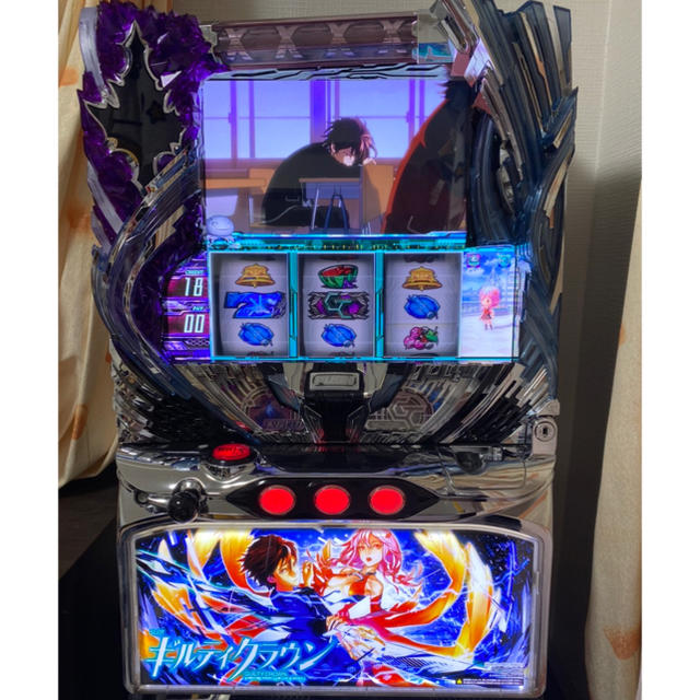 UNIVERSAL ENTERTAINMENT(ユニバーサルエンターテインメント)のSLOTギルティクラウン(ギルクラ) エンタメ/ホビーのテーブルゲーム/ホビー(パチンコ/パチスロ)の商品写真