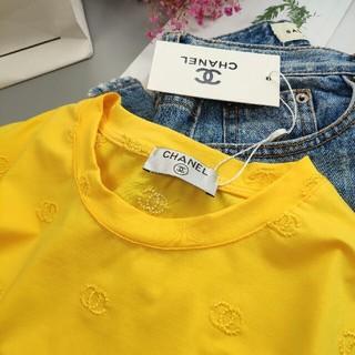 シャネル(CHANEL)の新製品イエロー刺繍ロゴ レディース半袖Tシャツ(シャツ/ブラウス(半袖/袖なし))
