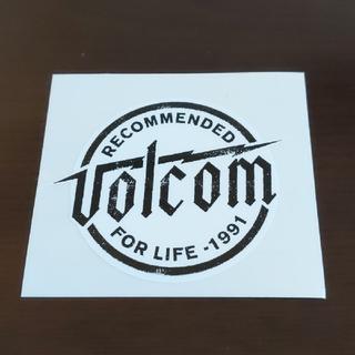 ボルコム(volcom)の(縦6.8cm横7.5cm)VOLCOM ステッカー(スケートボード)