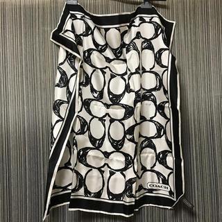 コーチ(COACH)のコーチ スカーフ シルク 絹 白黒 ロゴ(バンダナ/スカーフ)