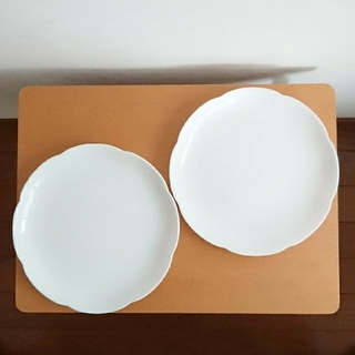 山崎製パン - 新品未使用★ヤマザキ春のパン祭り 皿 2枚セット★白いお皿・白い皿・白いプレート