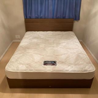 シモンズ(SIMMONS)のベッド クイーンサイズ シモンズ製マットレス付(クイーンベッド)