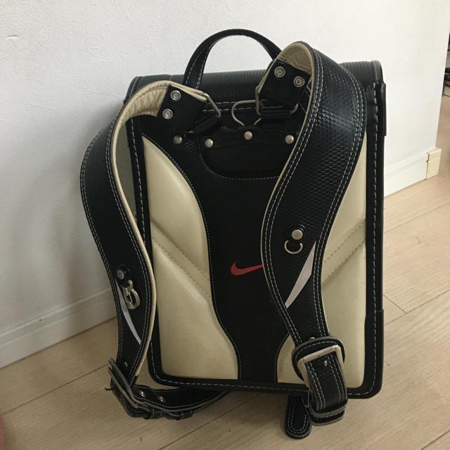 NIKE(ナイキ)のナイキ ランドセル ブラック✖️レッド キッズ/ベビー/マタニティのこども用バッグ(ランドセル)の商品写真
