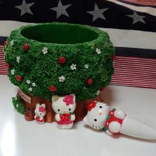ハローキティ(ハローキティ)のキティ植木鉢と水挿し(小物入れ)