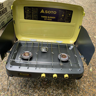シンフジパートナー(新富士バーナー)のsoto  three burner  3バーナー(調理器具)