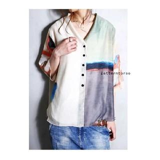 アンティカ(antiqua)のantiqua art柄羽織りカーディガン(シャツ/ブラウス(半袖/袖なし))
