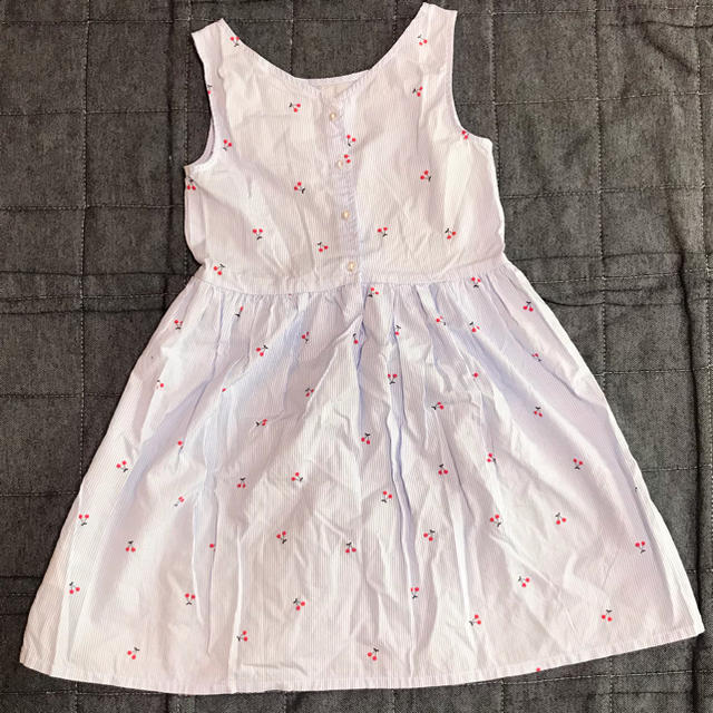 H&M(エイチアンドエム)のH&M ワンピース 130センチ キッズ/ベビー/マタニティのキッズ服女の子用(90cm~)(ワンピース)の商品写真