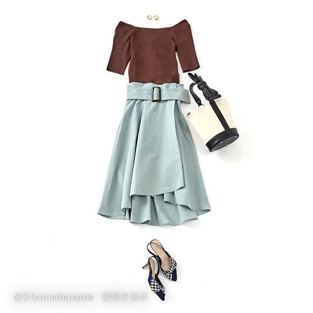 31 Sons de mode(トランテアンソンドゥモード)のアシンメトリータイプライターフレアスカート レディースのスカート(ひざ丈スカート)の商品写真