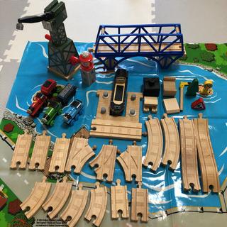 フィッシャープライス(Fisher-Price)のDown by the Docks Set 木製 トーマス ソドーベイ(電車のおもちゃ/車)