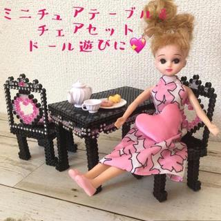💖ミニチュア家具〜姫系テーブル&チェア(ハートクッション2個付き)💖ブラック(ミニチュア)