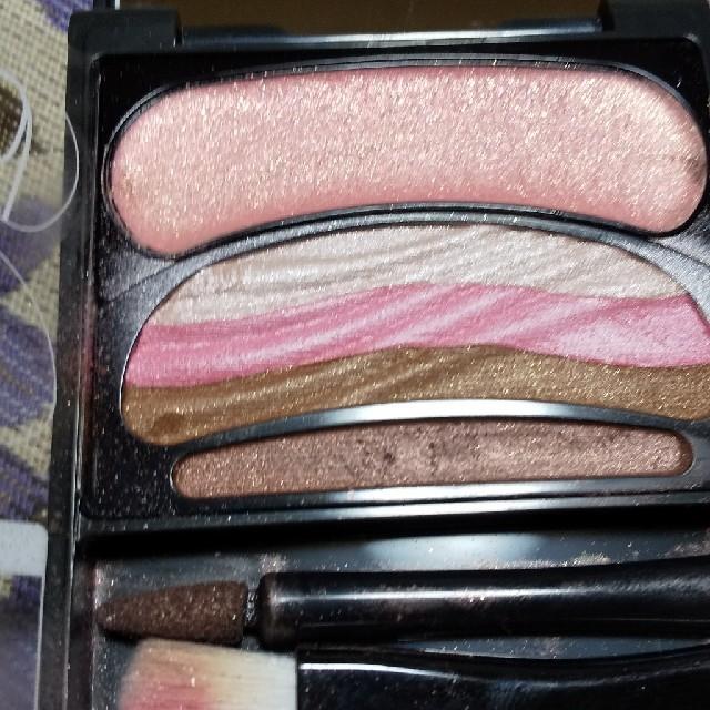 AUBE couture(オーブクチュール)のオーブクチュールブラシひと塗りシャドウ コスメ/美容のベースメイク/化粧品(アイシャドウ)の商品写真