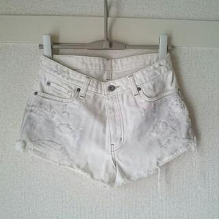 ココディール(COCO DEAL)のCOCODEAL ホワイト ショートパンツ 夏にぴったり♪(ショートパンツ)