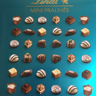 リンツ(Lindt)のリンツ    チョコ  ミニプラリネ(菓子/デザート)