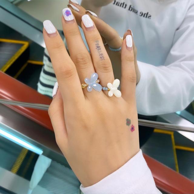 タトゥーシール 【スマイル】 韓国 消えるタトゥー レディースのアクセサリー(その他)の商品写真