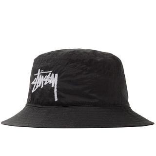 ステューシー(STUSSY)のL/XL 黒 stussy nike bucket hat バケットハット(ハット)