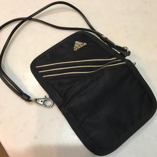 アディダス(adidas)のアディダス 財布 ループ付き 黒 金具付 折りたたみ財布(財布)
