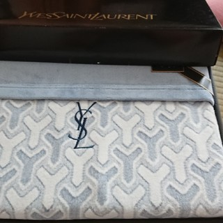 イヴサンローランボーテ(Yves Saint Laurent Beaute)の未使用保管品イヴ・サンローラン綿毛布(毛布)