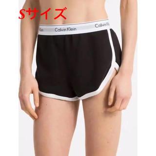 カルバンクライン(Calvin Klein)のSサイズ ブラック ショートパンツ カルバンクライン(ショートパンツ)