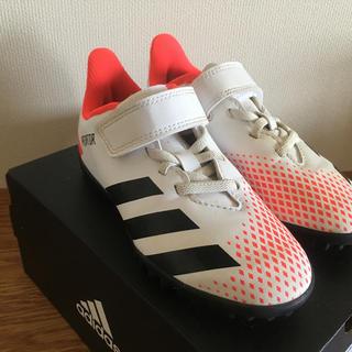 アディダス(adidas)のアディダス キッズサッカートレーニングシューズ プレデター20.4 18センチ白(その他)