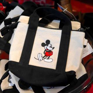 ミッキーマウス(ミッキーマウス)のミッキー  パスケース(パスケース/IDカードホルダー)