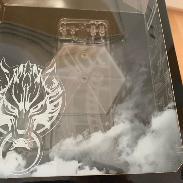 SQUARE ENIX(スクウェアエニックス)のファイナルファンタジー プレイアーツ改 クラウド エンタメ/ホビーのフィギュア(アニメ/ゲーム)の商品写真