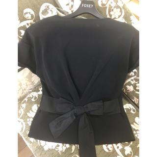 フォクシー(FOXEY)の極美品 2019年フォクシーバックリボン可愛いティーシャツ(Tシャツ(半袖/袖なし))
