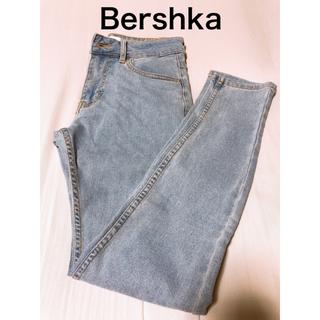 Bershka - 【Bershka】スキニーフィットデニムパンツ
