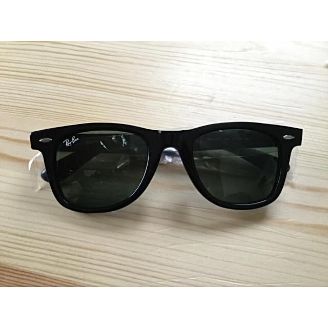 Ray-Ban(レイバン)の最終セール 新品  Ray Ban ウェイファーラ-RB2140-F (52) メンズのファッション小物(サングラス/メガネ)の商品写真