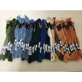 オリンパス(OLYMPUS)の【おにぎり様専用】オリムパス25番刺繍糸 33本セット!(生地/糸)