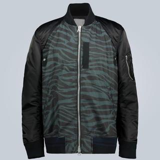 サカイ(sacai)の【新品2020年モデル】サカイゼブラ柄MA-1ジャケット(ナイロンジャケット)