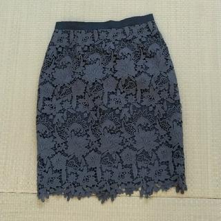 ジャスグリッティー(JUSGLITTY)の美品 JUSGLITTY ニューフラワーレーススカート(ひざ丈スカート)