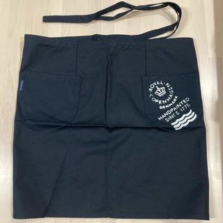 ロイヤルコペンハーゲン(ROYAL COPENHAGEN)のロイヤルコペンハーゲン カフェエプロン ブラック(収納/キッチン雑貨)