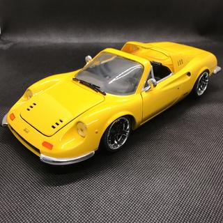 フェラーリ(Ferrari)の1/18 ホットウィール フェラーリ ディノ ホイールインチアップ 京商ではない(ミニカー)