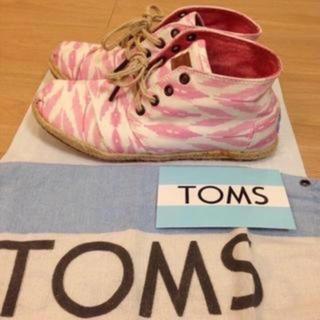 トムズ(TOMS)の夏用 美品☆トムズ 24cmスニーカー 軽くて履き心地がよい(スニーカー)