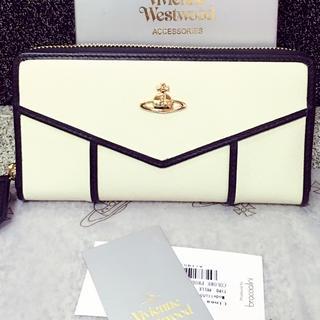 ヴィヴィアンウエストウッド(Vivienne Westwood)のヴィヴィアンウエストウッド白長財布(財布)