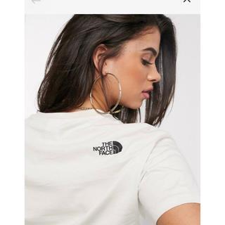 ザノースフェイス(THE NORTH FACE)の【Mサイズ】新品未使用タグ付き ノースフェイス クロップドTシャツ クリーム(Tシャツ(半袖/袖なし))
