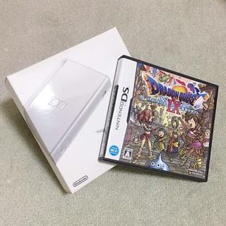ニンテンドーDS(ニンテンドーDS)の任天堂DS lite(シルバー)とドラクエⅨ(携帯用ゲーム機本体)