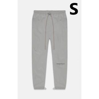 フィアオブゴッド(FEAR OF GOD)のS / Essentials Silver Nylon Track Pants(その他)