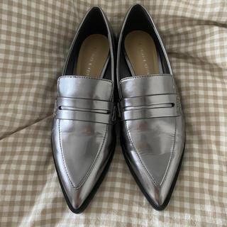 チャールズアンドキース(Charles and Keith)のCHARLES&KEITH シルバー ローファー(ローファー/革靴)