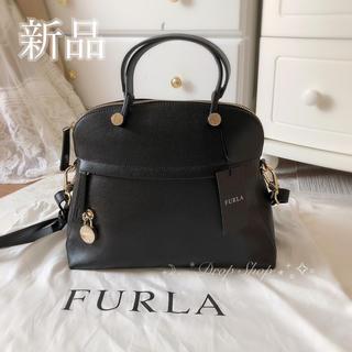 Furla - 𓊆 新品 FURLAパイパー M 人気のブラック 𓊇