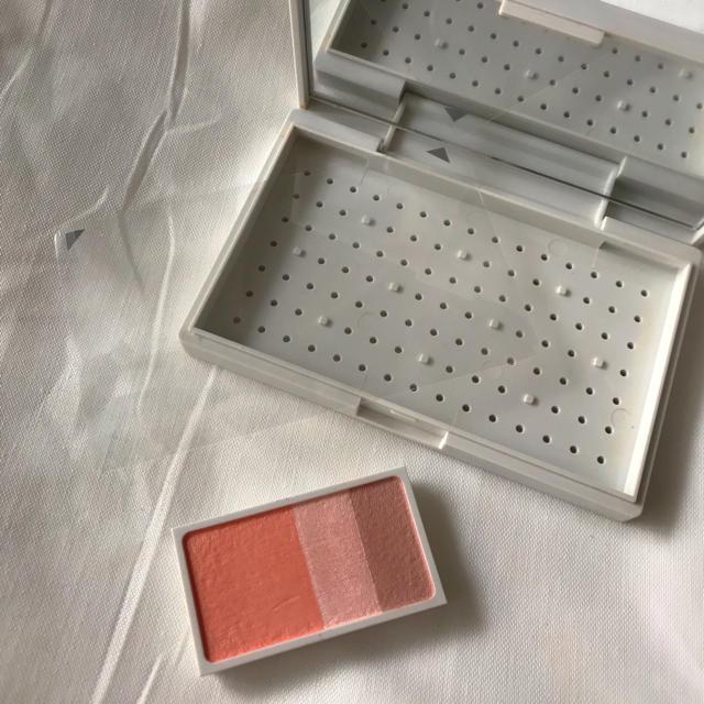 MUJI (無印良品)(ムジルシリョウヒン)のMUJI メイクパレット+チークカラーミックスタイプ・アプリコット コスメ/美容のベースメイク/化粧品(その他)の商品写真